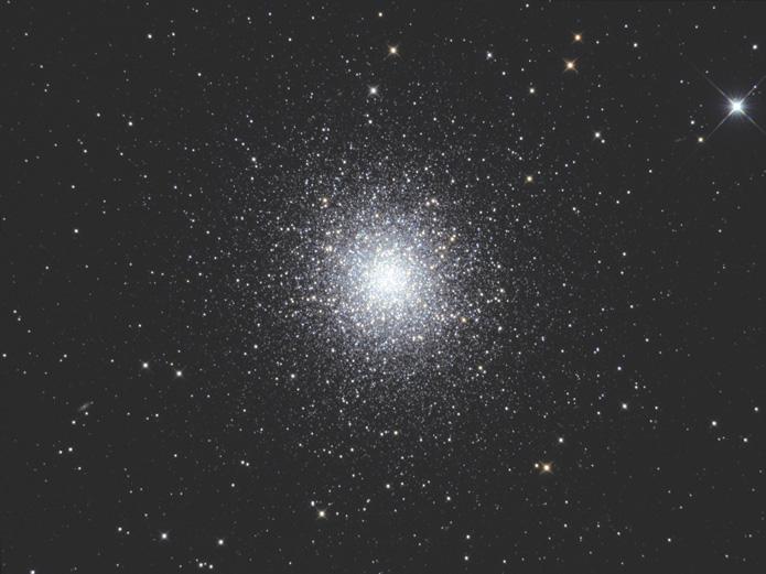 M13   ヘルクレス座の球状星団  ...